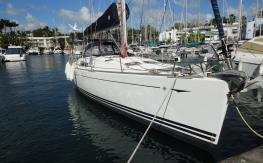 Sun Odyssey 49: In the marina